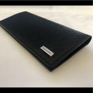 Calvin Klein Men's Leather Wallet